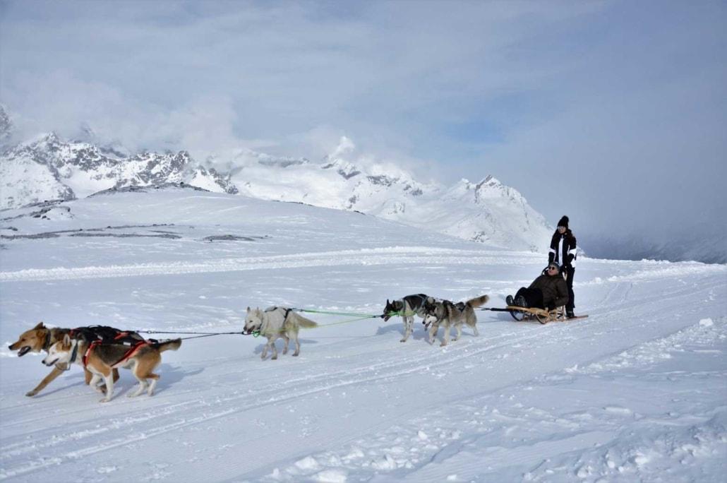 Schlittenfahrten mit Huskies am Matterhorn